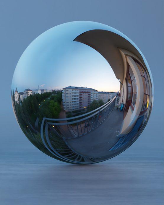 HDRI – Höghusbalkong (sommar, skymning) – spegeldank utan horisont (EV 5.60; Filmic Blender)