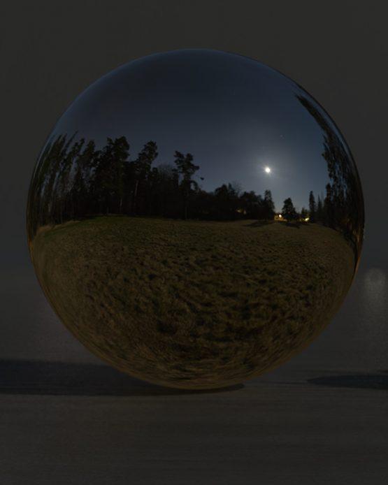 HDRI – Fullmåne över fält (vår, midnatt) – spegeldank utan horisont (EV -1.50; Filmic Blender)
