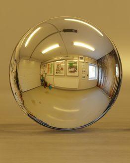 HDRI – Garage (sommar, eftermiddag) – spegeldank utan horisont (EV 6.60; Filmic Blender)
