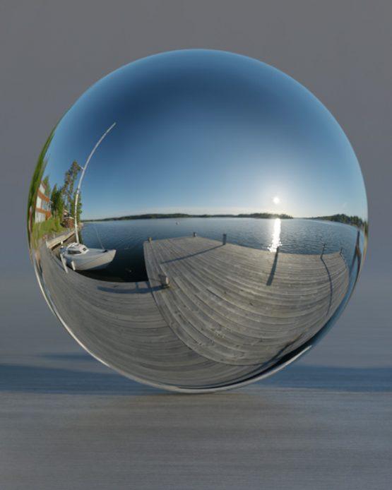 HDRI – Resaröström (sommar, tidig morgon) – spegeldank utan horisont (EV 12.80; Filmic Blender)